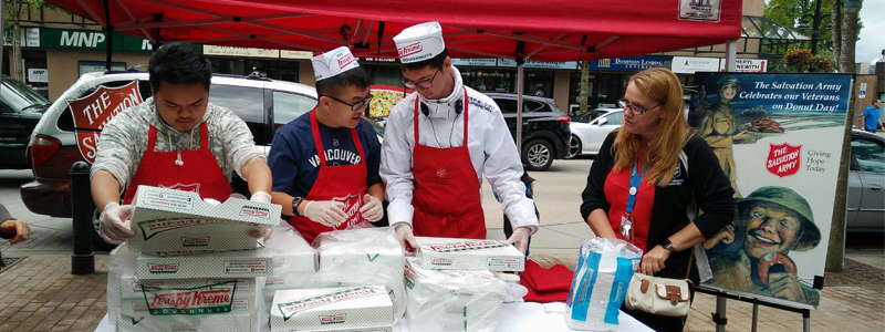 volunteers_DonutDay 800x300